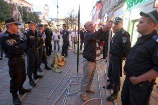 МВД обвиняет нардепа от БЮТ в повреждении видеокамеры на Крещатике