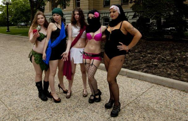 """В Финляндии в """"маршах проституток"""" приняли участие более 5 тысяч человек"""