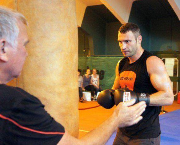 Віталій Кличко готується до бою з Адамеком_1