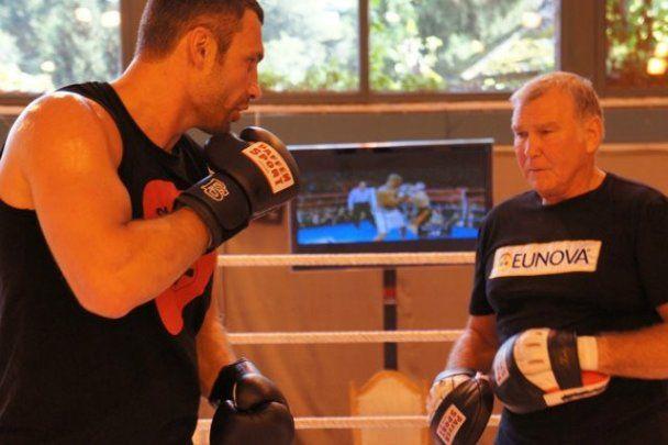Віталій Кличко відновив підготовку до бою з Адамеком
