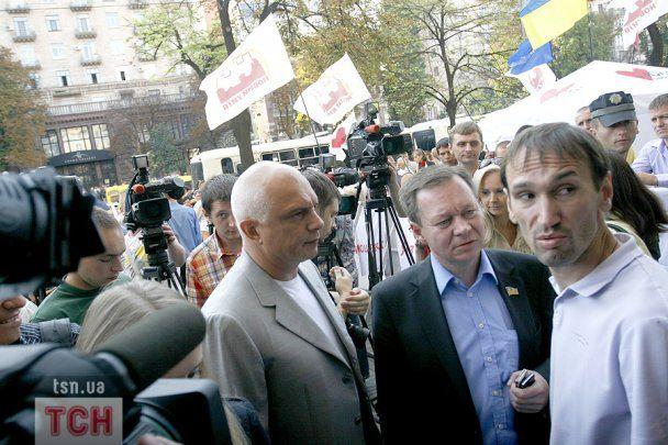 Тимошенко робить зачіску і макіяж у залі суду, а в камері у неї лише гребінчик