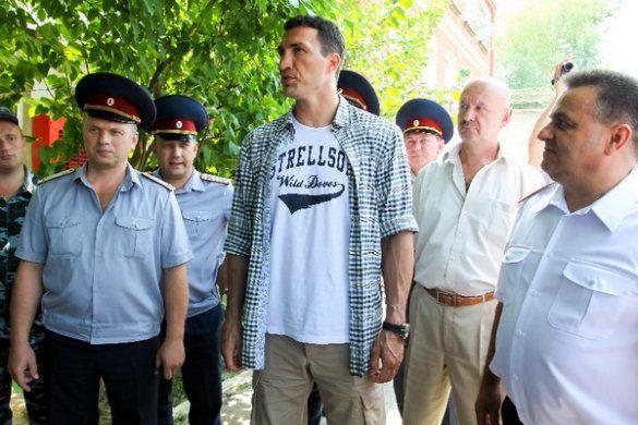 Володимир Кличко побував у виправній колонії_2