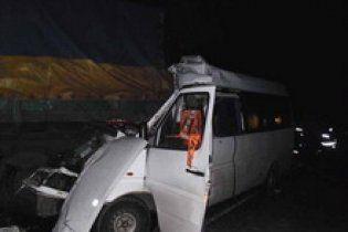 В аварии в Крыму погибли две пассажирки автобуса