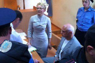 Автозак привіз Тимошенко в суд за дві години до початку засідання