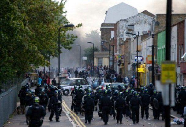До Лондона можуть ввести війська для придушення заворушень
