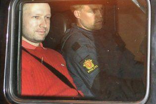 Поліція Норвегії побоювалася, що Брейвік проковтнув бомбу і підірве себе у суді
