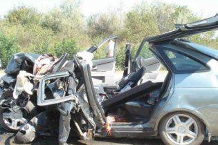 В автокатастрофе на Луганщине погибли 6 человек