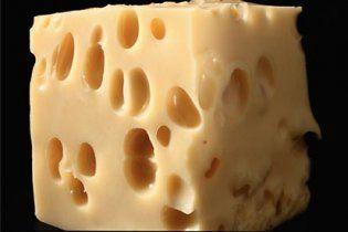Сыр признали любимым продуктом магазинных воров