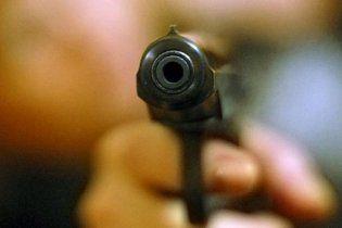 На Черкащині п'яного водія ловили зі зброєю і сльозогінним газом