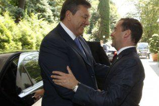 """Медведев считает, что украинская позиция по газу """"ни в какие ворота не лезет"""""""