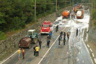 Из-за аварии бензовоза в Крыму образовалась километровая пробка