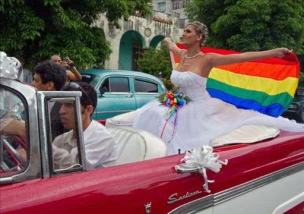 Перше гей-весілля на Кубі присвятили Фіделю Кастро