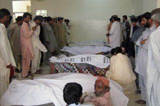 Жахливе ДТП в Пакистані: загинуло 26 школярів, що поверталися з екскурсії