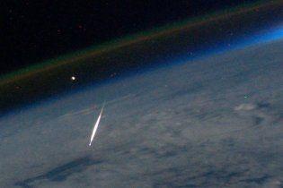 Астронавт сфотографировал звездопад Персеиды с невозможного для землян ракурса