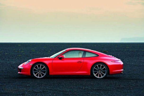 Шпигунські фото нової версії легендарного Porsche 911