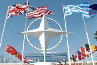 НАТО поможет Украине с безопасностью на Евро-2012
