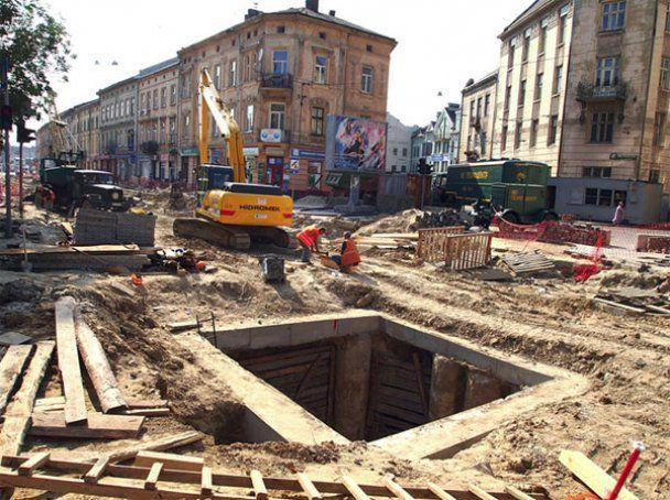 Львів готується до Євро-2012: місто залишили без вулиць