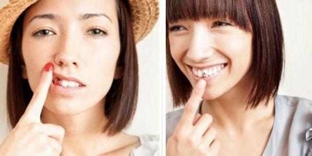 У моду входять татуювання на зубах