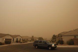Піщана буря накрила Аризону, є жертви і постраждалі