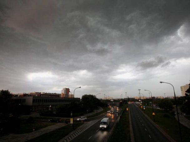 Буря пройшла над Польщею, двоє людей загинули