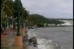 """Тропічний шторм """"Айрін"""" рухається до узбережжя Флориди"""