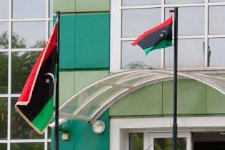 Над посольством Ливии в Минске поднят флаг повстанцев
