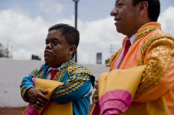 Карлики-матадоры провели родео в Мексике