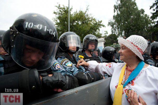 Против участников беспорядков на День Независимости возбудят уголовные дела