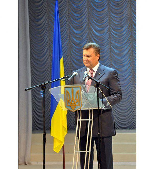 Президент Янукович у Донецьку помолився за шахтарів