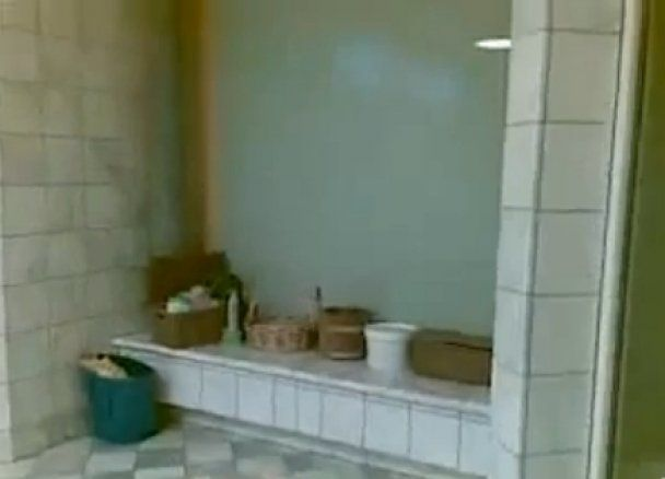 Мародери зняли на відео розкішні апартаменти доньки Каддафі