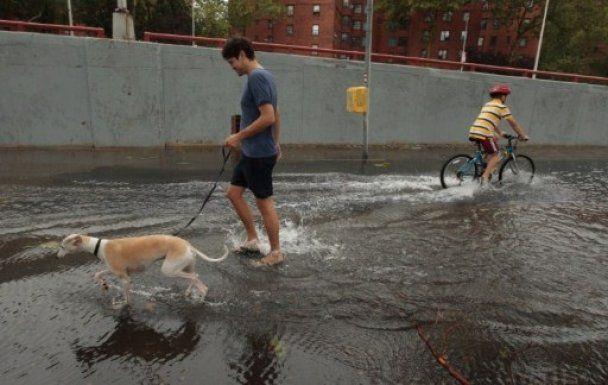 """Ураган """"Айрин"""" в США затопил Нью-Йорк"""