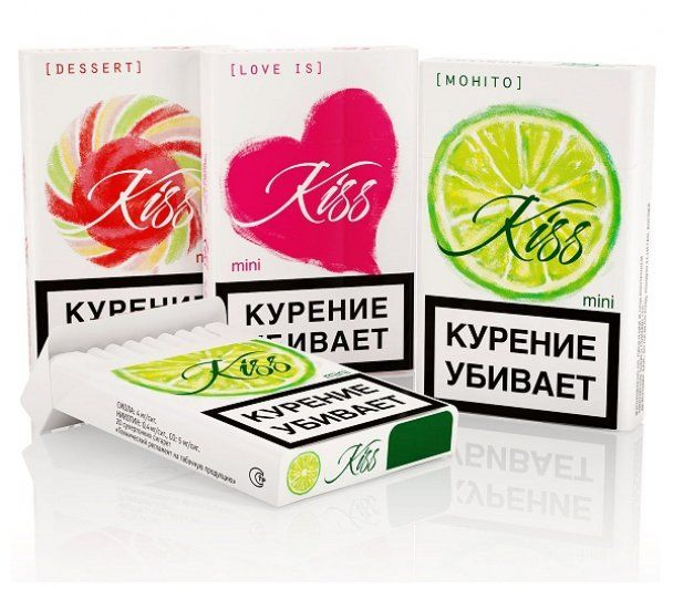 В Росії вимагають заборонити сигарети для дівчат-підлітків