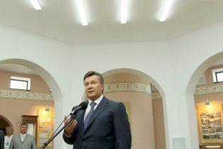 Янукович выступил за декриминализацию статьи Тимошенко