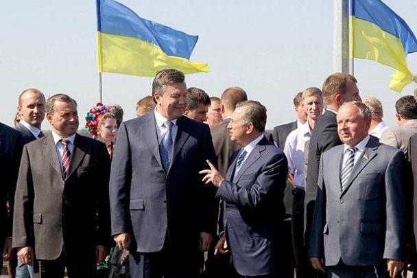 Янукович відзначив 450-річчя Євангелія, на якому присягав
