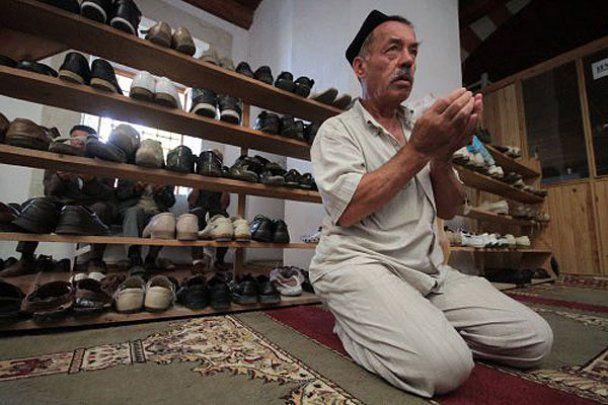 Крымские татары празднуют Ураза-Байрам