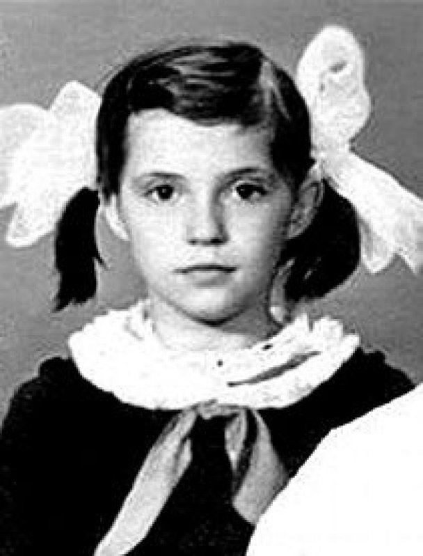 Януковича в школе била учительница, а Тимошенко тяжело давался украинский язык