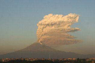 В Мексике проснулся знаменитый вулкан Попокатепетль