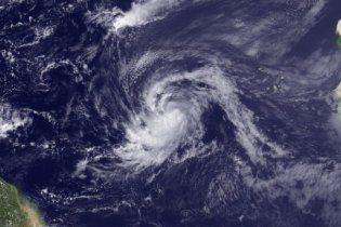 """Ураган """"Катя"""" в Атлантичному океані посилився до четвертої категорії"""