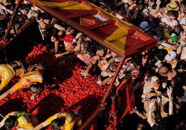 """На """"томатне побоїще"""" в Іспанії пішло 120 тонн помідорів"""