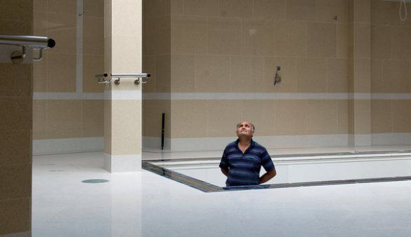Лондонці будують басейни у підземних будинках