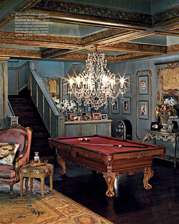 Дом светской львицы Пэрис Хилтон в Голливуде
