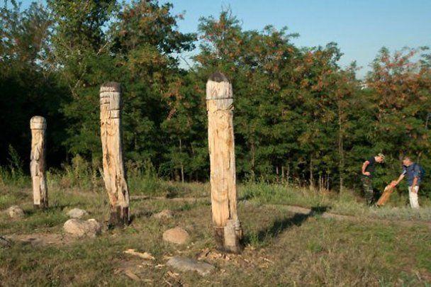 Вандали зруйнували язичницьких богів на Хортиці