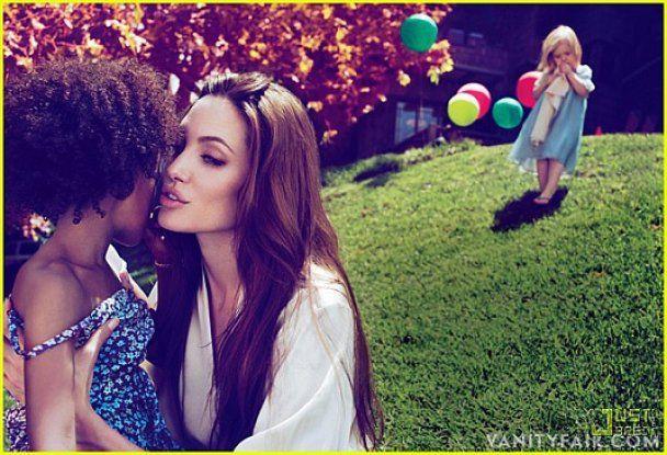 Джоли высмеяла слухи о женитьбе с Питтом