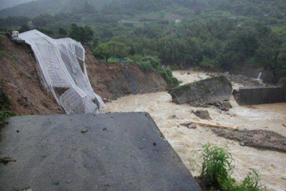 """Тайфун """"Талас"""", Японія_4"""