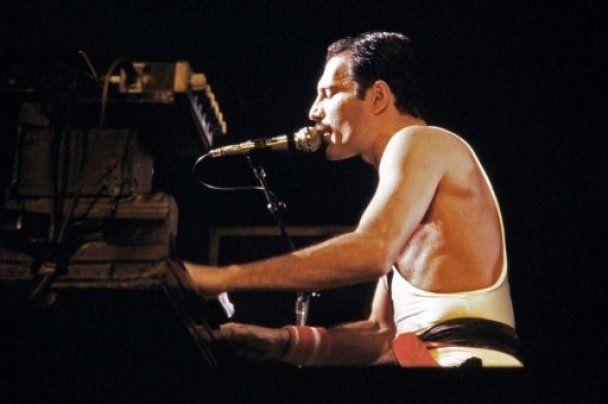 Зірки року на 65-тий день народження Фредді Мерк'юрі влаштують благодійний концерт