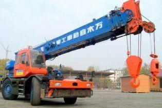 Суровые челябинские воры украли и закопали кран весом в 25 тонн