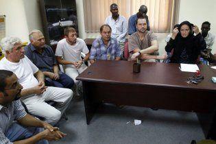 СМИ: задержанных в Ливии украинцев жестоко пытают