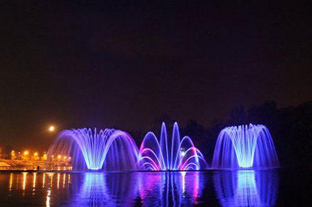 В Виннице запустили самый большой в мире речной фонтан