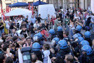 Схваткой с полицией завершилась акция протеста в Риме