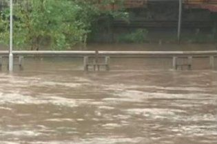 Через повінь на сході США загинули п'ятеро людей, евакуйовані 130 тисяч